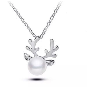 Silver Reindeer Pearl Necklace